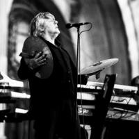 Portrait in Black & white of the singer Arno