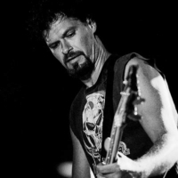 Portrait in Black & white of Vincent, bass player from Heavy Duty band