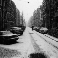 Picture in black & white of Amsterdam under snow